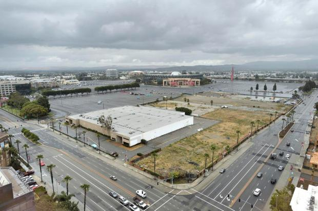 The Anaheim City Council approved LT Global's LT Platinum Center, a $450 million mixed-use development that would include high-rise office buildings, stores, entertainment, hotels, apartments and condominiums on a 15-acre lot on State College Boulevard and Orangewood Avenue in the city's Platinum Triangle area. (Courtesy of LT Global)