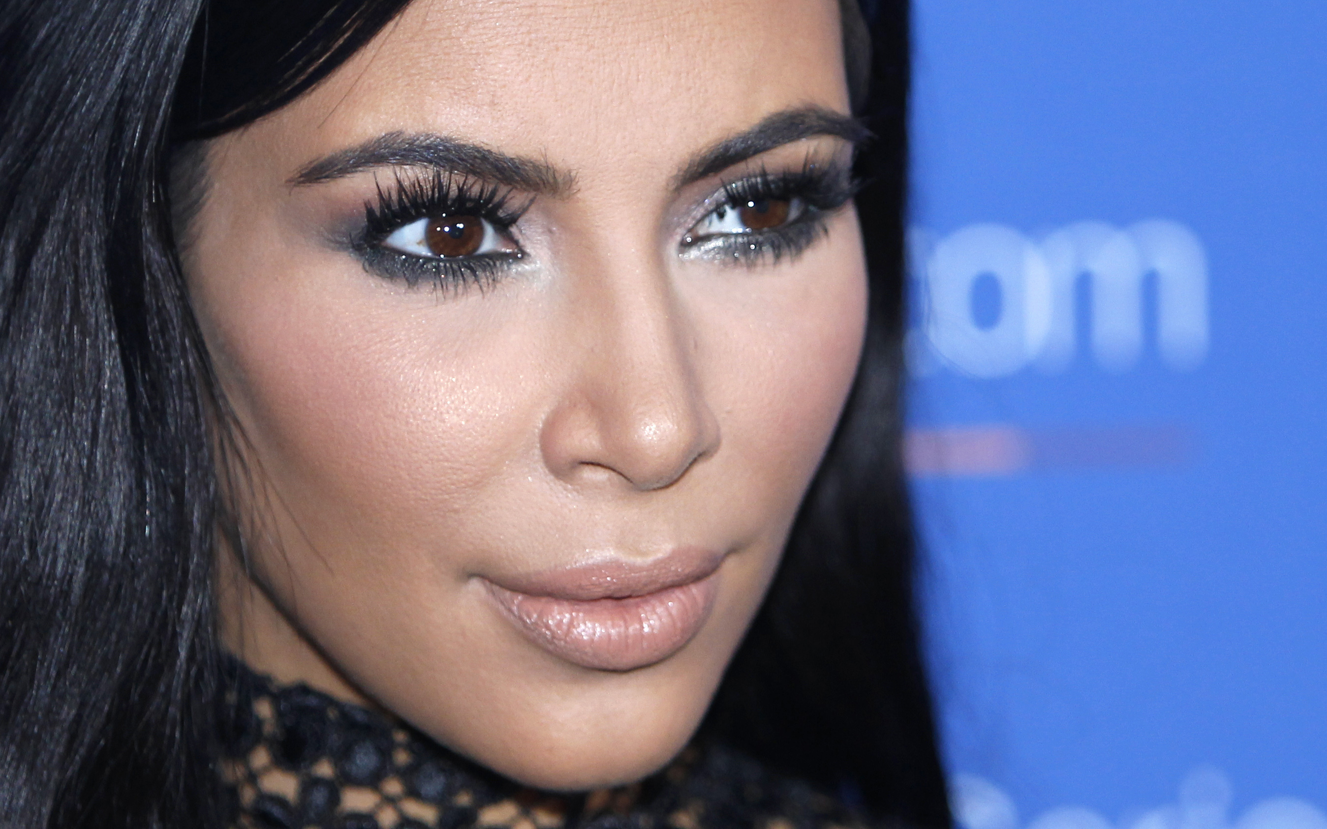Kim Kardashian Blames Herself for Paris Robbery