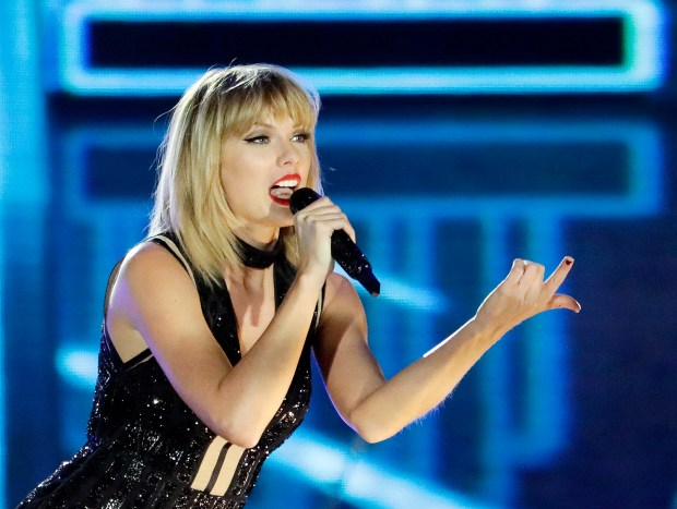 Taylor Swift performs on the eve of the Formula One U.S. Grand Prix auto race at Circuit of the Americas, Saturday, Oct. 22, 2016, in Austin, Texas. (AP Photo/Darron Cummings)