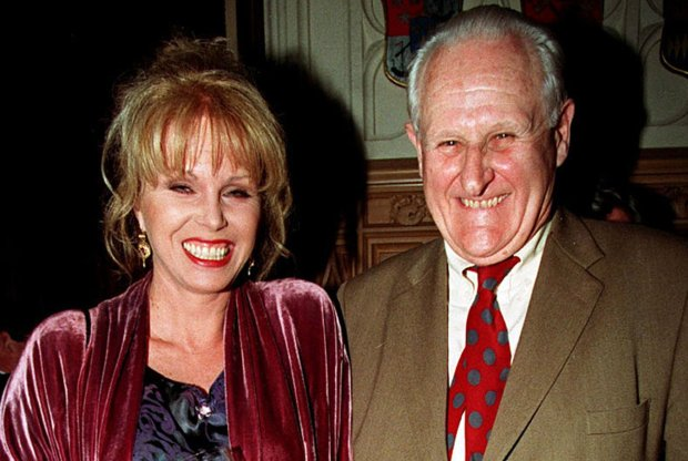 1998: Peter Vaughan with  actress  Joanna Lumley. (Fiona Hanson/PA via AP, File)