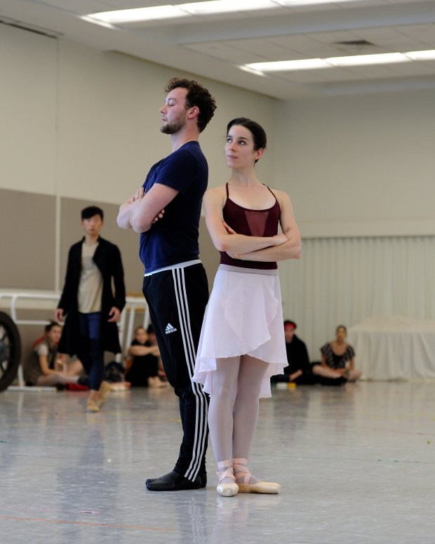 """Frankenstein"" choreographer Liam Scarlett, left, with Julia Rowe in a SanFrancisco Ballet rehearsal. (© Erik Tomasson)"
