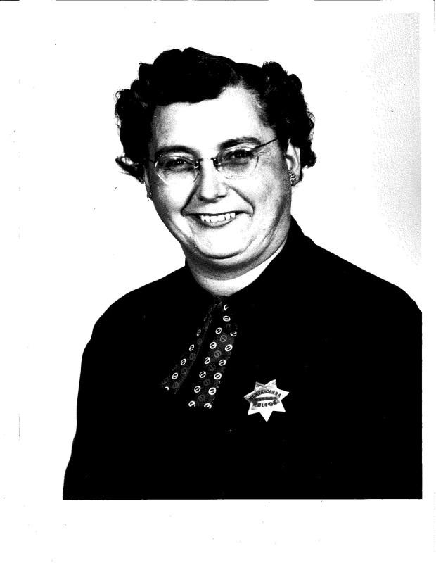 Edna Santos Mirrione