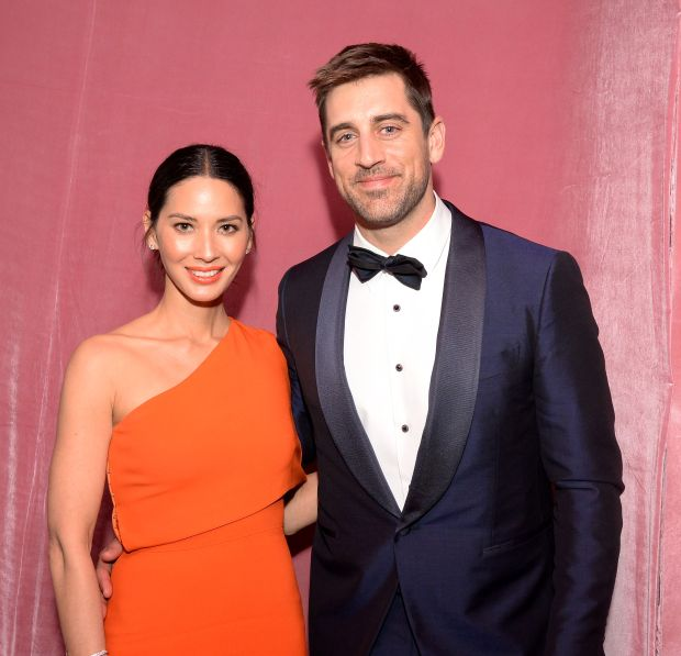 Olivia Munn and Aaron Rodgers attend the 88th Annual Academy Awards Governors Ball at The Hollywood & Highland Center in Hollywood, California, on February 28, 2016. / AFP / ANGELA WEISS (Photo credit should read ANGELA WEISS/AFP/Getty Images)