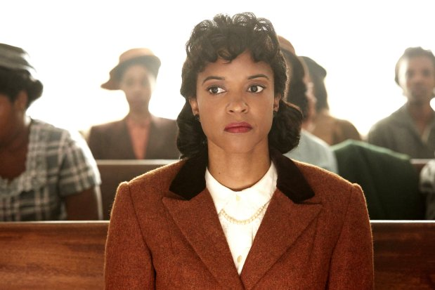 Renée Elise Goldsberry stars as Henrietta Lacks. (Quantrell Colbert/ HBO)