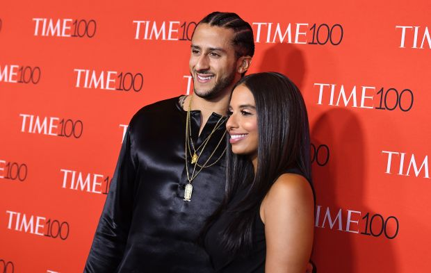 Colin Kaepernick (L) and Nessa attend the 2017 Time 100 Gala at Jazz at Lincoln Center on April 25, 2017 in New York City. / AFP PHOTO / ANGELA WEISSANGELA WEISS/AFP/Getty Images