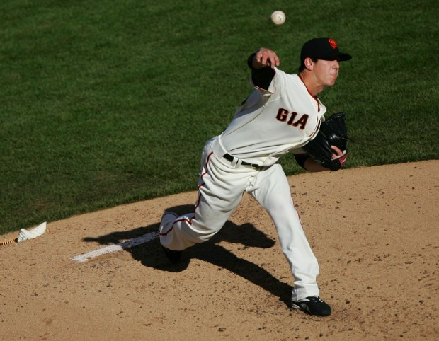 Pitcher Tim Lincecum of the San Francisco Giants pitches in his Major League debut against the Philadelphia Phillies during a Major League Baseball game on May 6, 2007 at AT&T Park in San Francisco, California. (Photo by Jed Jacobsohn/Getty Images)