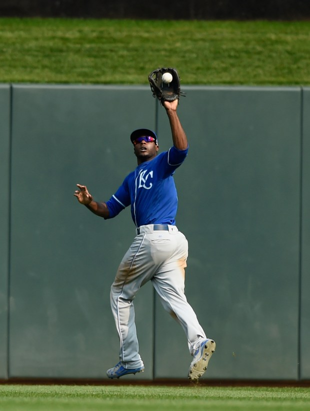 MINNEAPOLIS, MN - SEPTEMBER 03: Lorenzo Cain #6 of the Kansas City Royals makes a catch in center field of the ball hit by Mitch Garver #43 of the Minnesota Twins during the eighth inning of the game on September 3, 2017 at Target Field in Minneapolis, Minnesota. The Royals defeated the Twins 5-4. (Photo by Hannah Foslien/)