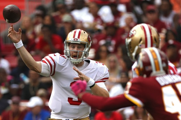 LANDOVER, MD - OCTOBER 15: Quarterback C.J. Beathard #3 of the San Francisco 49ers passes against the Washington Redskins during the second quarter at FedExField on October 15, 2017 in Landover, Maryland. (Photo by Patrick Smith/Getty Images)