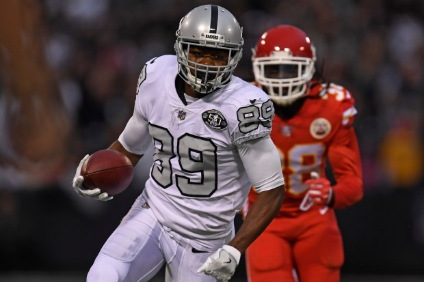Oakland Raiders' Amari Cooper (89) runs and scores a 45-yard pass touchdown against the Kansas City Chiefs in the first quarter of their NFL game at the Coliseum in Oakland, Calif. on Thursday, Oct. 19, 2017. (Jose Carlos Fajardo/Bay Area News Group)