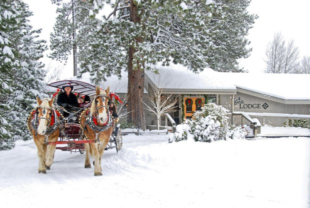 Snowy fun at Oregon's Black Butte Ranch includes sleigh rides from thelodge. (Photo: Visit Central Oregon)