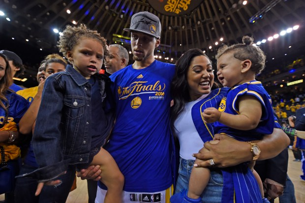 2c333a5e911 Ayesha and Stephen Curry are expecting baby no. 3   How did this ...