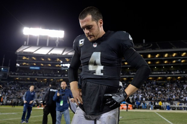 Derek Carr played one of his worst games of the season on Monday night. ( 624fb6228
