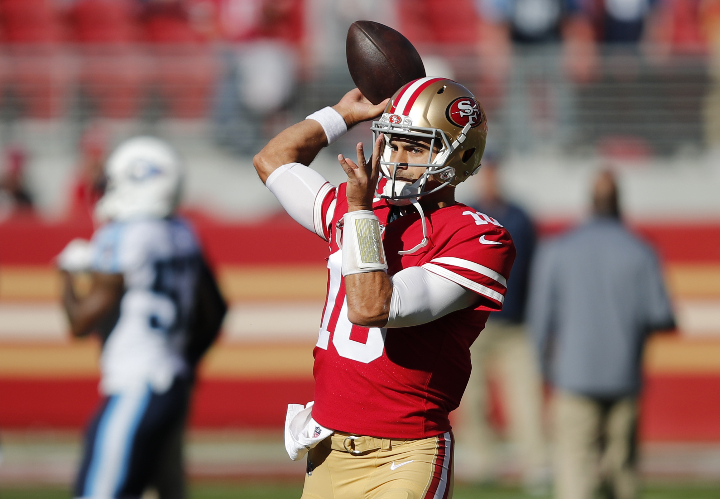 49ers' Jimmy Garoppolo looks the part of superstar QB in making