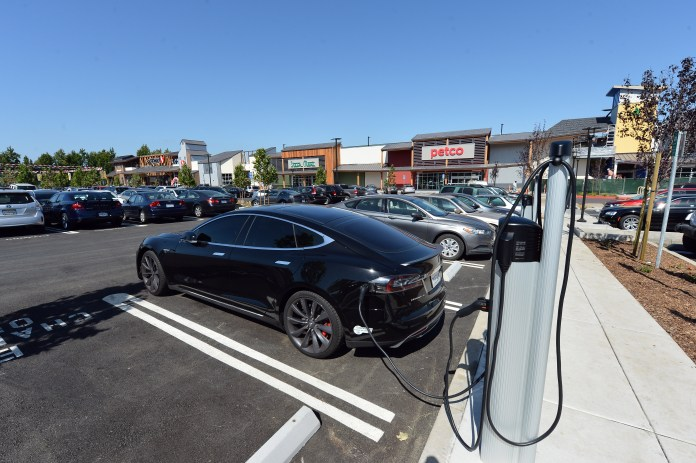 brown sets goal of 5 million electric vehicles in california2030