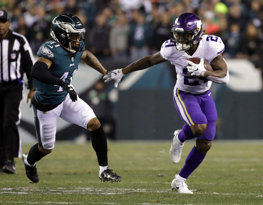 Jerick McKinnon, who signed a four-year deal with the 49ers on Wednesday, runs past Philadelphia Eagles' Ronald Darby during the first half of the NFL football NFC championship game Sunday, Jan. 21, 2018, in Philadelphia. (AP Photo/Matt Slocum)