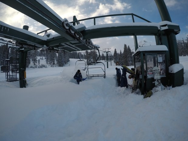 Lake Tahoe-area ski resorts, including Kirkwood, received roughly 5 feetof snow between Thursday and Saturday, the biggest storm of the year in an otherwise dry season. (Photo: Kirkwood Mountain Resort)
