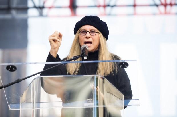 Streisand nase barbra The Weekend,