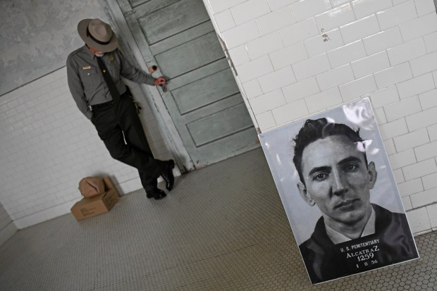 Alcatraz Guard Inmate Residents Recall The The Rock