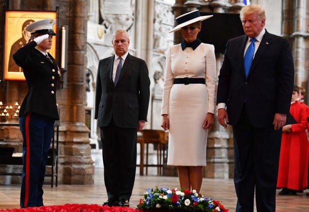 唐纳德特朗普和安德鲁王子在杰弗里爱泼斯坦因新的性交易指控被捕之前在伦敦会面