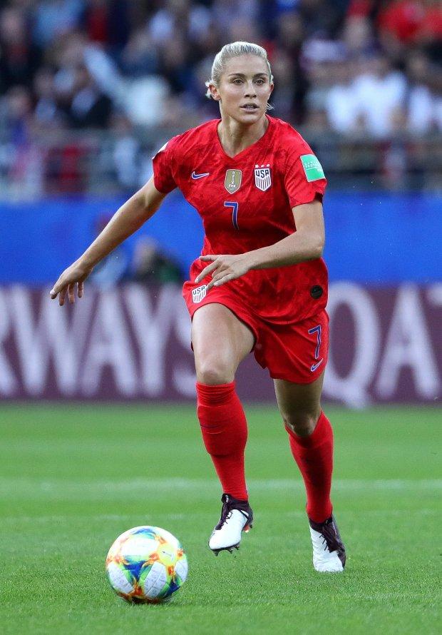 从阿瑟顿预备学校到女子世界杯,二人组成了梦想