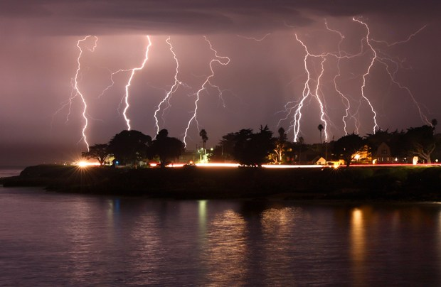 california lightning tips what to do and not do during a thunderstorm