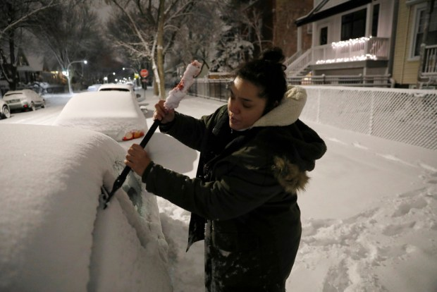 Winter storm blankets parts of Midwest, disrupts travel
