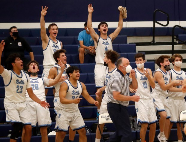 CCS boys basketball: Half Moon Bay holds off Bellarmine in wild finish to reach Open semifinals 2