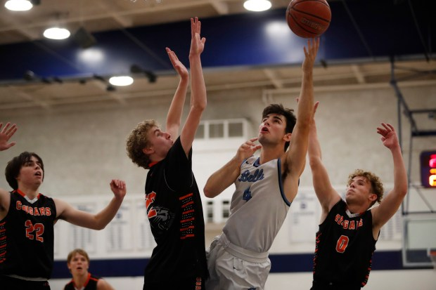 CCS boys basketball: Half Moon Bay holds off Bellarmine in wild finish to reach Open semifinals 4