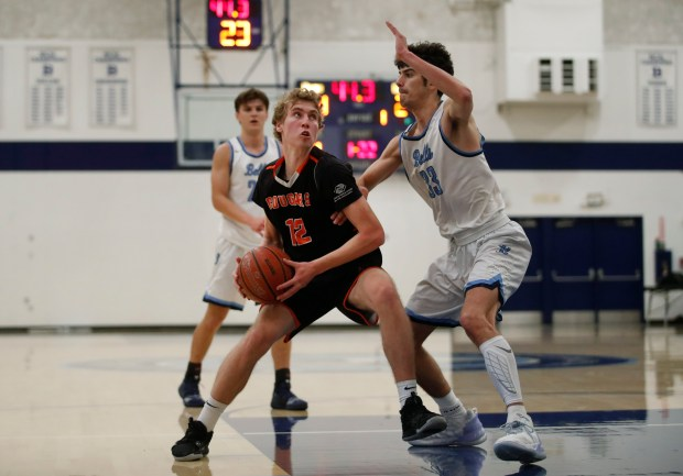 CCS boys basketball: Half Moon Bay holds off Bellarmine in wild finish to reach Open semifinals 6