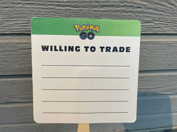 Pokemon Go Fest trade paddles