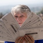 Return to sender: California couple receives mountain of EDD mail that isn't theirs 💥👩👩💥