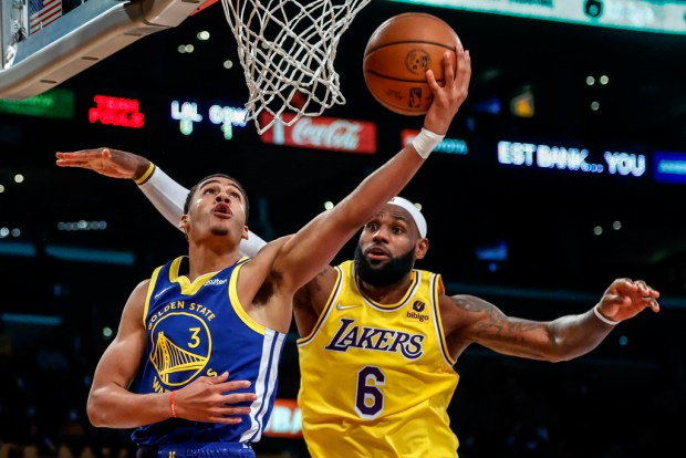 Photos: Best shots from the Warriors' 111-99 preseason win over the Lakers