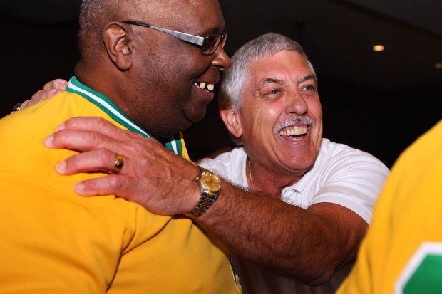 Longtime A's broadcaster, former player Ray Fosse dies at age 74