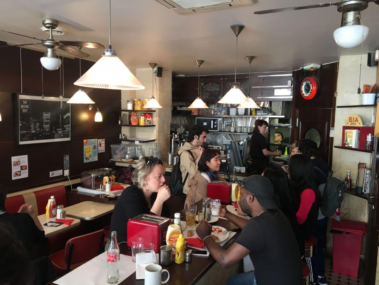 Interieur Breakfast in America