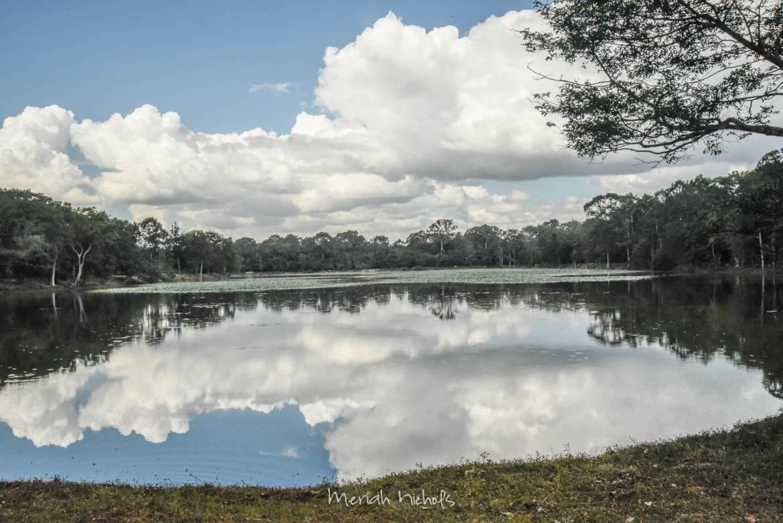 Meriah Nichols Angkor Wat-4-2