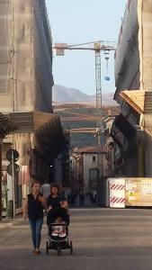 l'aquila - passeggiata nella città surreale