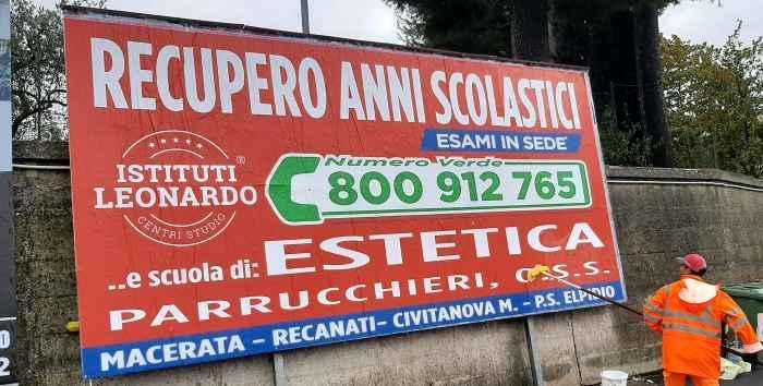 Affissioni Poster A Macerata