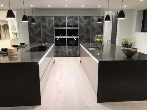 KITCHEN ISLAND PARADISE FOR CANFORD CLIFFS SUPERHOME