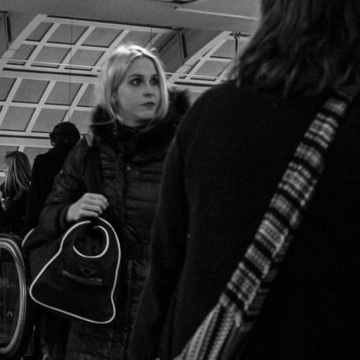 Ung kvinna väska