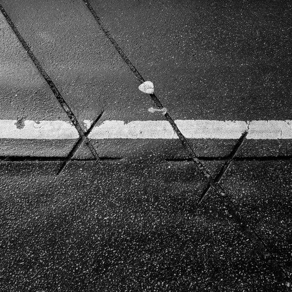 Tecken i asfalten