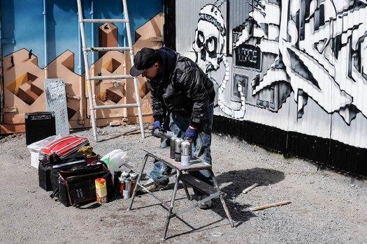 street-artist-(1-av-1)