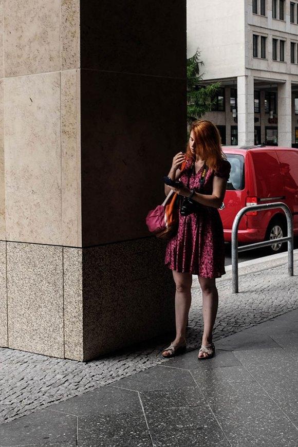 Red-hair,-red-dress-(1-av-1)
