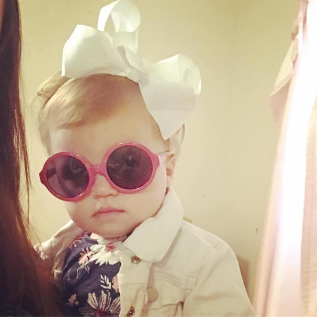 she loves sunglasses