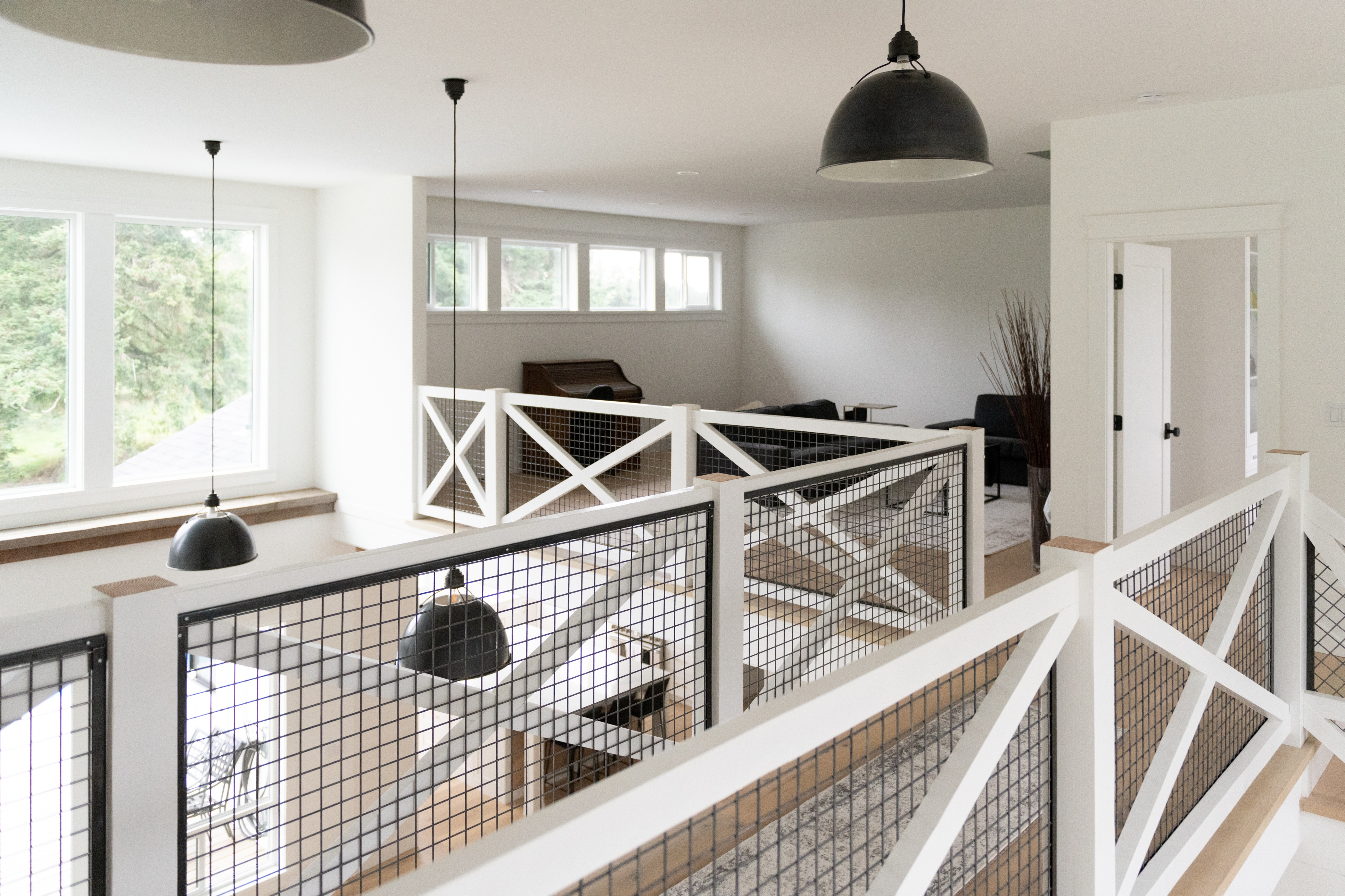 Staircase Railing Styles That Will Elevate Your Design Merit   Modern Farmhouse Stair Railing   Horizontal Bar   Exterior   Mid Century Modern   Design Small House   Residential