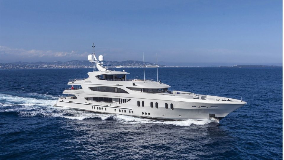 FEATURED LUXURY YACHTS FOR SALE MERLE WOOD 2017 2018