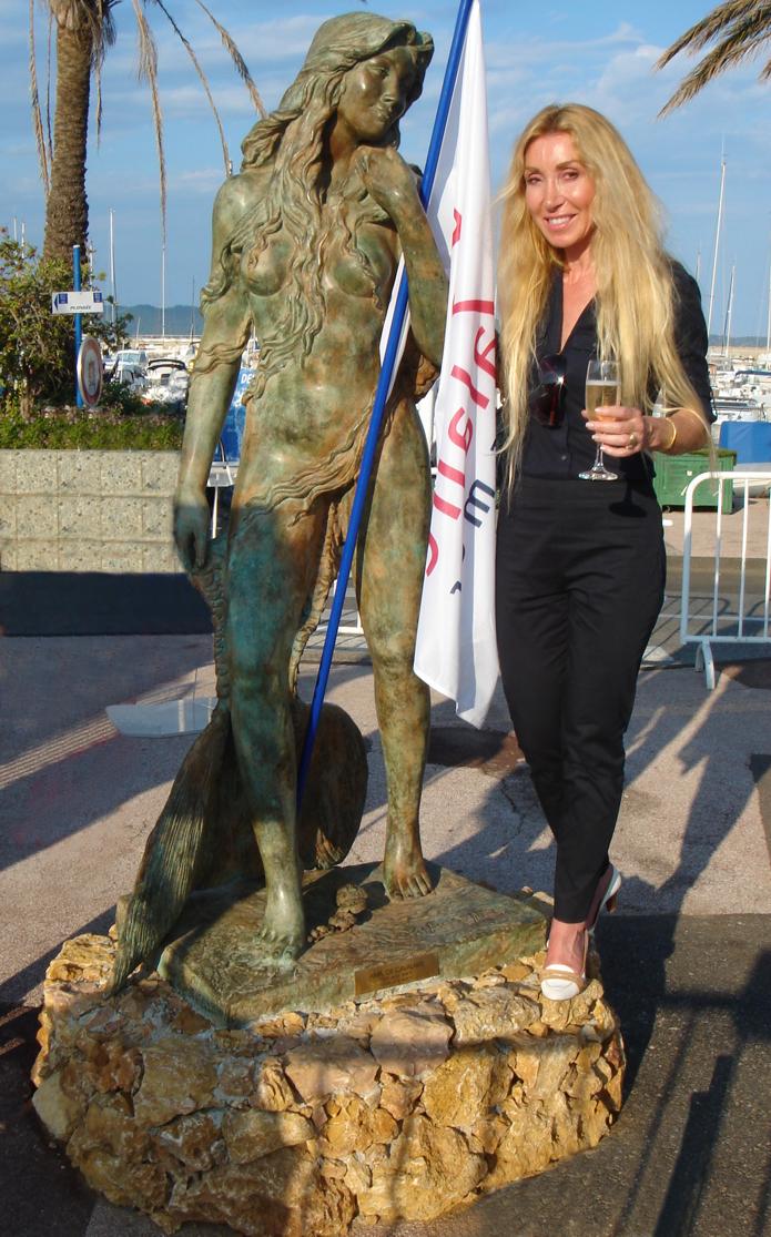 Ama Cavalaire mermaid statue