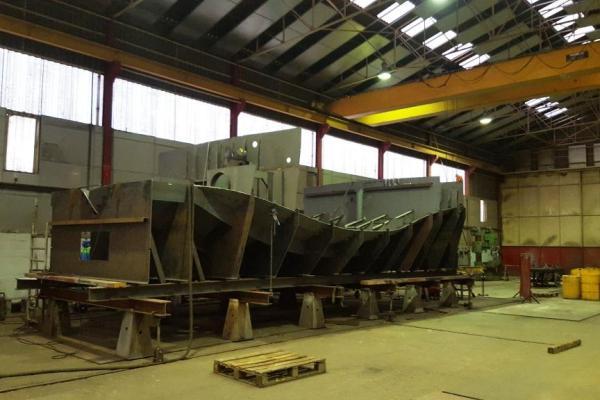 La construction du remorqueur SEEM 12-800ST a été lancée