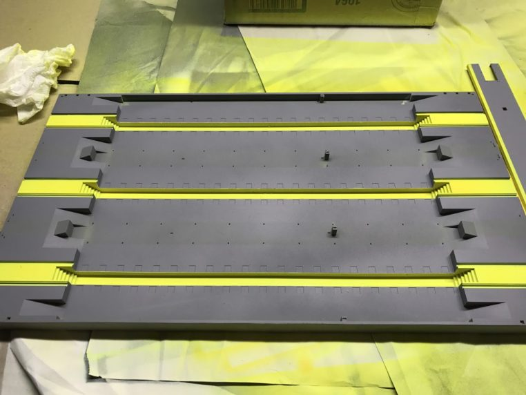 Base plate with safety yellow.