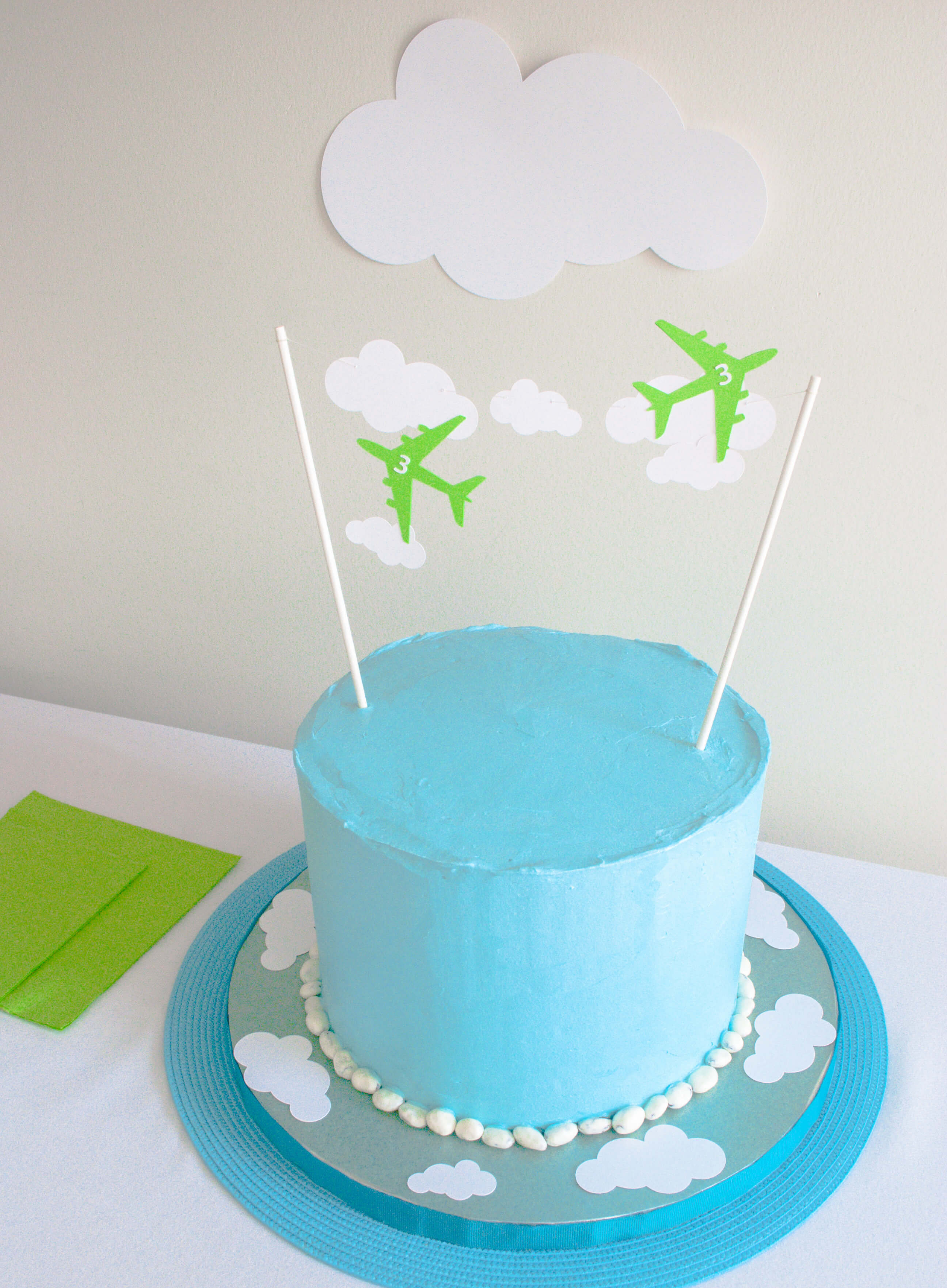 Easy Airplane Birthday Cake Plus Free Printable Airplane And Cloud Cake Toppers