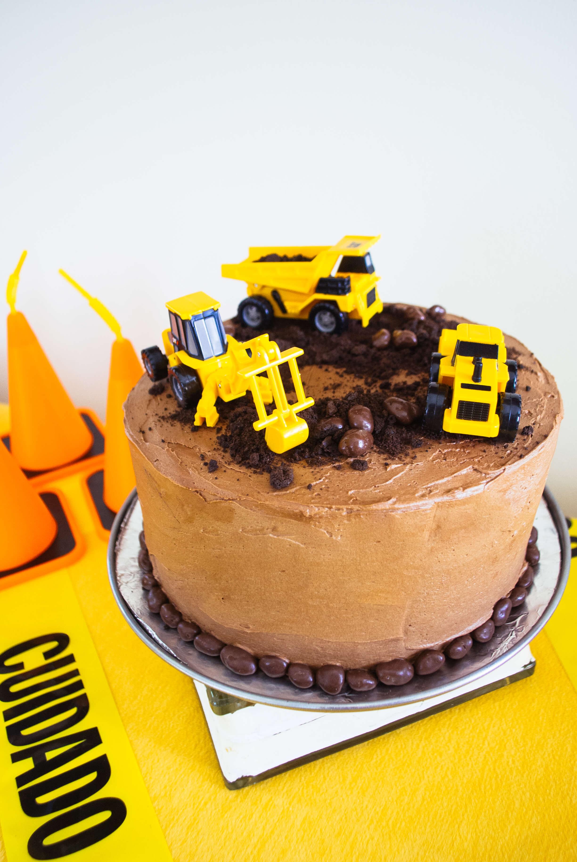 Easy Construction Birthday Cake